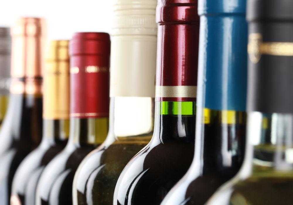 garrafas de vinho em close